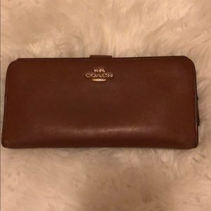 Coach Leather skinny wallet